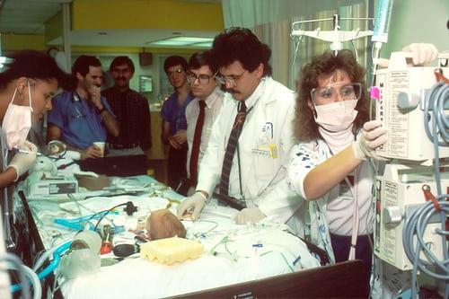 Δημιουργία Μονάδας Εντατικής Θεραπείας (ΜΕΘ). Άρθρο του καρδιολόγου Νικόλοαυ Παναγιωτόπουλου